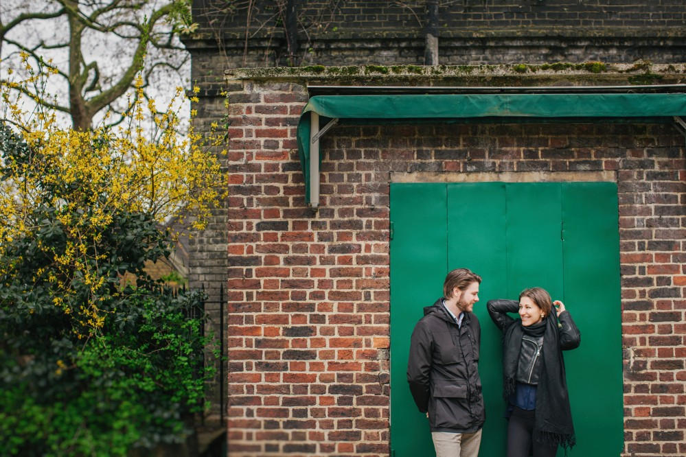 Urban pre-wedding photography in London - Maria & Oscar